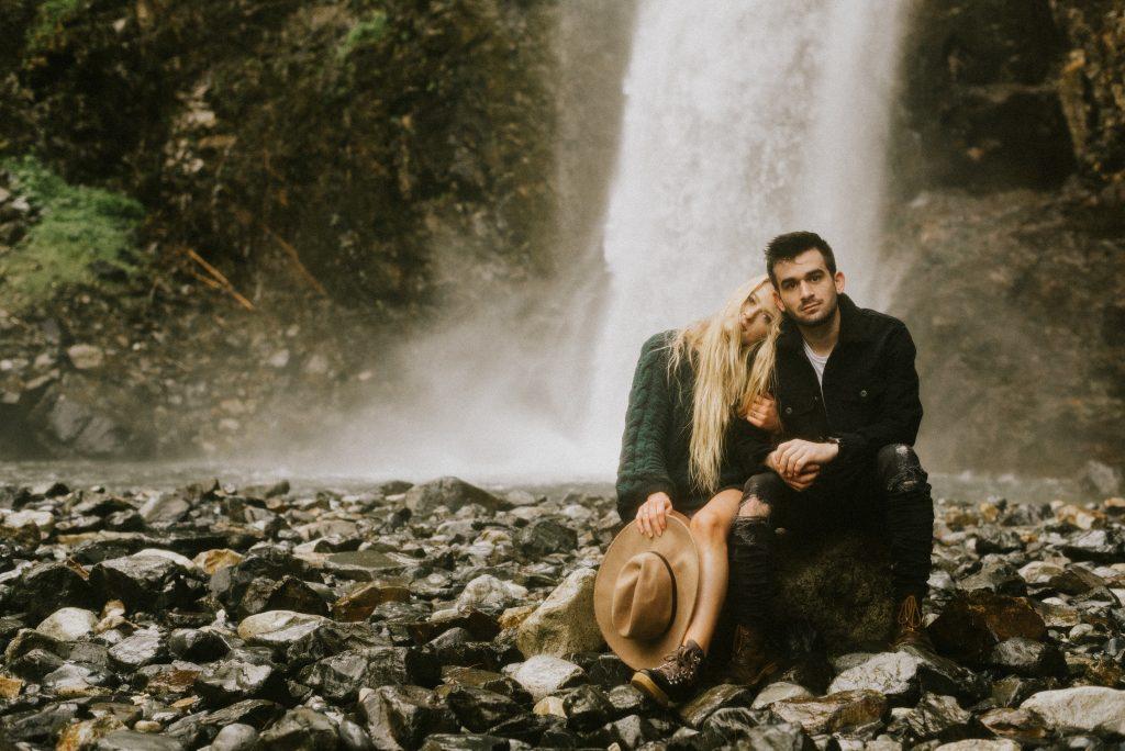 Franklin Falls, Washington couples session